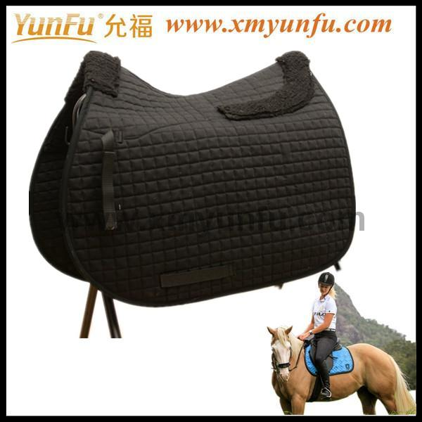 Comfortable and warm Mattes Wool Horse Fleece Pad